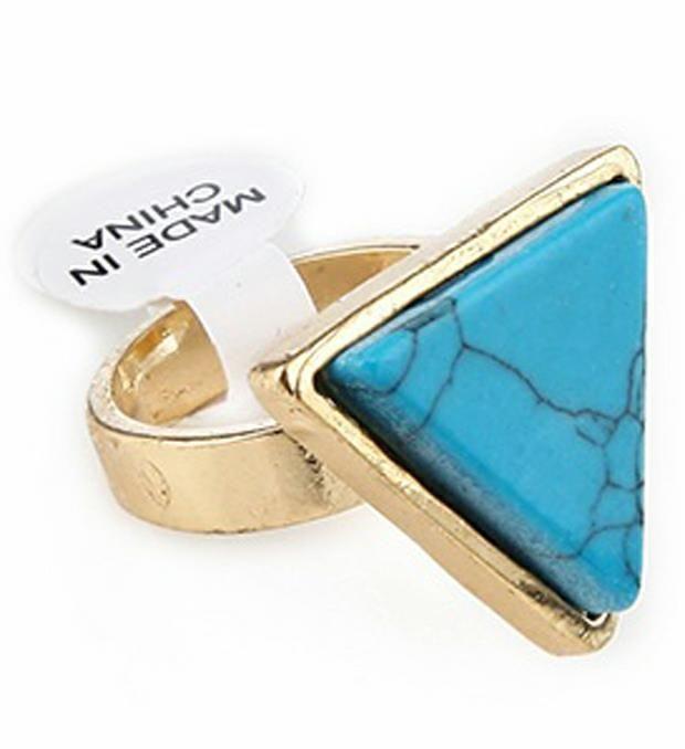 Caja con anillos triangulo piedra x1u