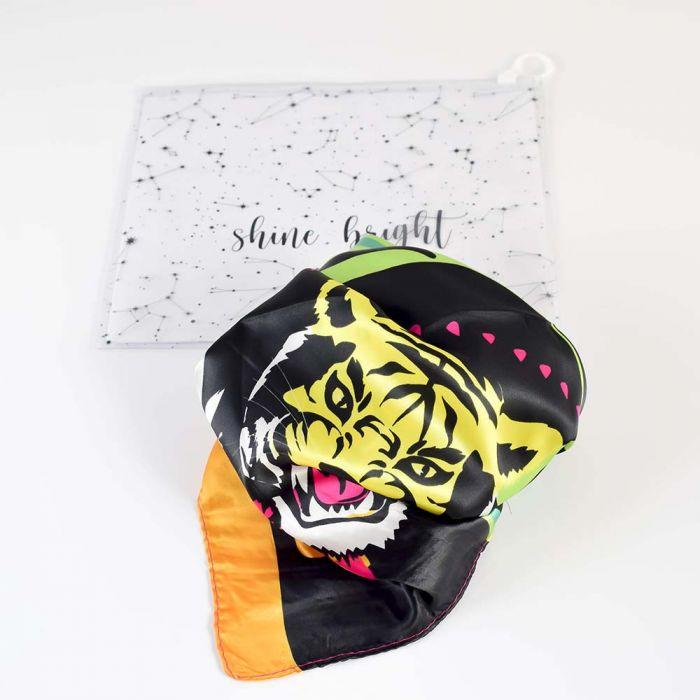 Panuelo 90x90 estampado tigre con bolsa transparente x1u